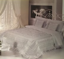 EXCLUSIVE QUEEN SILK BEDSPREAD IMPORTED FROM EUROPE