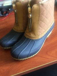 Woman's Tommy Hilfiger Boots size 7! NEW! NOT WORN