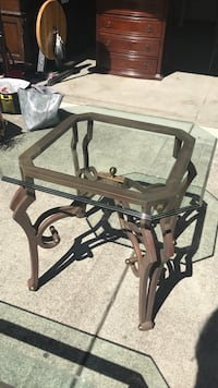 Iron and glass end table Danville, 94506
