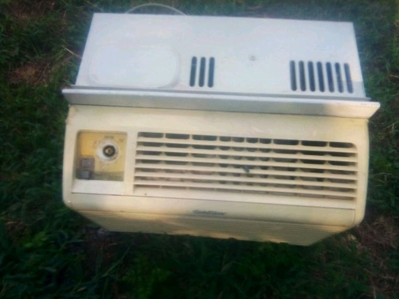 Air conditioner works great b2a15297-4305-4126-9ba1-17dbb929ea52