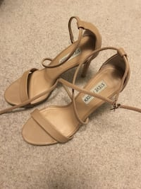 Steve Madden taupe heels size 7 Mississauga, L5M 6E2
