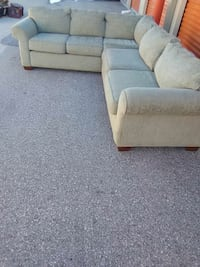 Simmons upholstery sectional couch  Sarasota, 34238