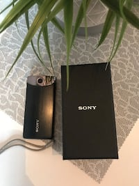 Selling Sony MHS-TS10 4GB Bloggie Touch Camera Montréal, H3X