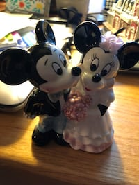 Mickey and Minnie figurine Sterling, 20165