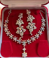 Bright flowery earrings and necklace New Westminster, V3M 2X8