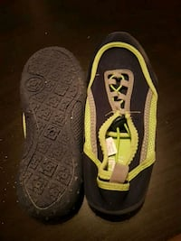 Never worn size 7 womens Water Shoes Winnipeg, R3M 2K4