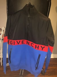 Givenchy sweater\coat East Gwillimbury, L9N