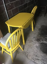 kitchen table and 2 chairs Sewickley, 15143