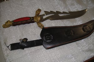 WHITE TAIL CUTLERY HAND MADE DAGGER WITH SHEATH