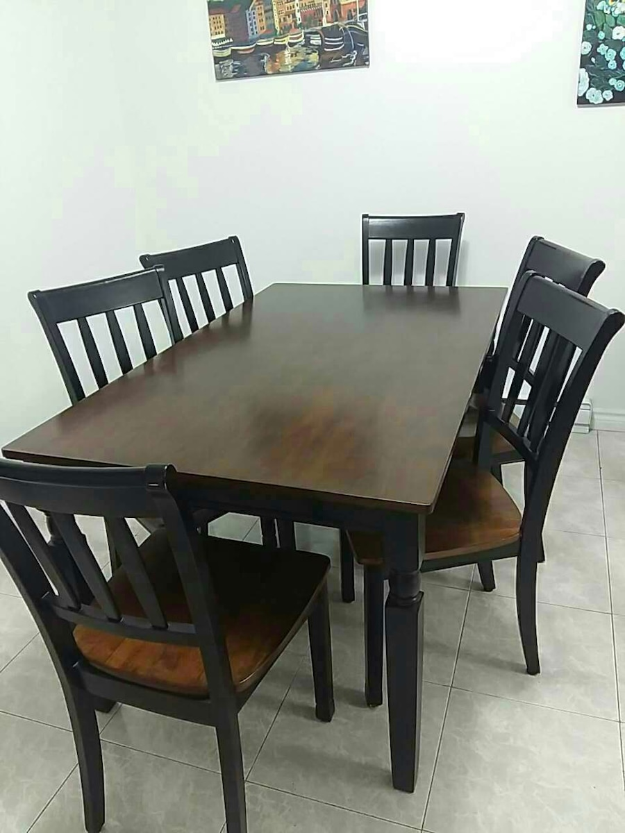 Used Rectangular Brown Wooden Dining Table With Six Chairs Set In Quebec