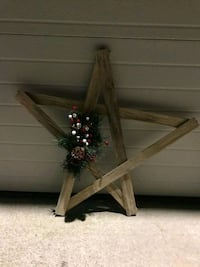 Wooden Holiday Primitive Decorative Star Portage