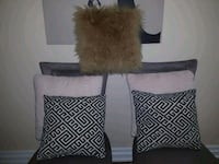 5 cushion 1 beige +2 off white +2grey and beige  Mississauga, L5R 3K4