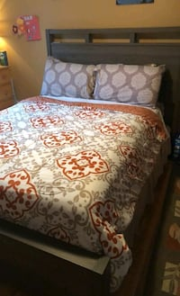 Soho queen size bed frame Bob's furniture _ like new