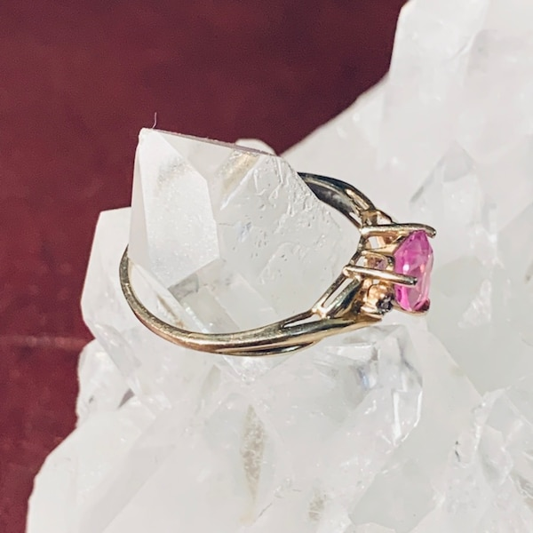 Genuine 10k Gold Pink Sapphire Ring 5073afdf-09e0-49fe-9fd3-d6161a6d5894