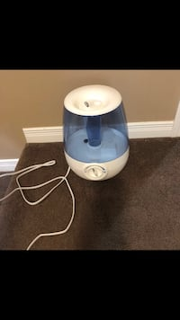 white and blue Vicks humidifier Kitchener, N2N 3R8