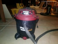 red and black wet / dry vacuum cleaner Coachella, 92236