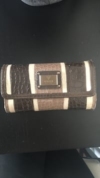 GUESS brown leather wallet  Toronto, M6K 3H8