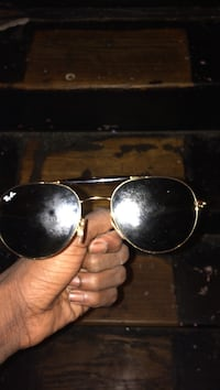 black framed Ray-Ban aviator sunglasses Baltimore, 21216