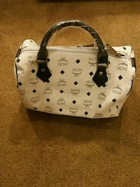 white and black leather tote bag Lancaster, 93534
