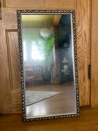 Mirror (antique)  Sioux Falls, 57105