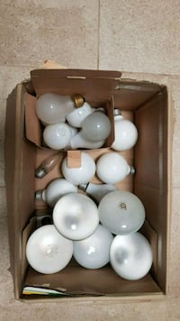 Incandescent and CF lightbulbs Toronto, M2K 2W3