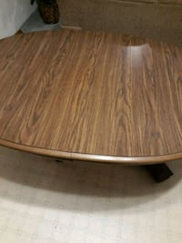 round brown wooden coffee table Grand Forks, 58203