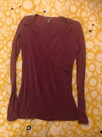 Ladies Medium Long Sleeve Top by Jacob  Toronto, M8Y 3L7