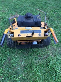 Brown and black zero turn mower Capitol Heights, 20743