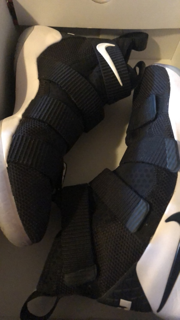 570ee0c94464d Used Lebron Soldier XI MENS 8 for sale in Bentonville - letgo