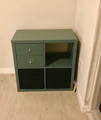 Nightstands. Set of 2 grey modern nightstands in perfect condition. One year of use Miami, 33132