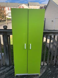 green wooden 2-door cabinet Frederick, 21702