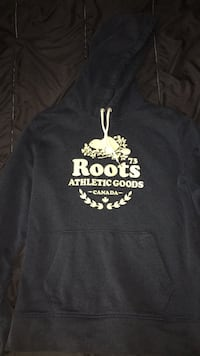 ROOTS navy blue hoodie size M Toronto, M9W 3T9