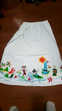 Brand new Disney skirt size large Dartmouth, B3A 3Y4