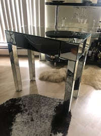 Mirrored table with drawer Vancouver, V6E 3V1