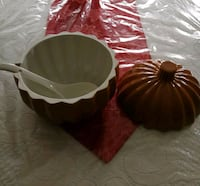 Large pumpkin tureen Caledon