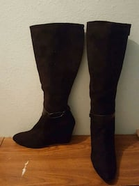 Black Wedged Boots null