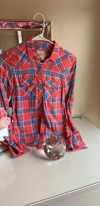 Red, blue, and black plaid dress shirt. Inwood, 25428