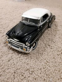 black and white sports car scale model Winnipeg, R3R 3X2