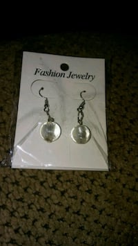 pair of silver-colored earrings Greeneville, 37743