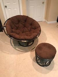 Papasan Chair with matching foot rest + Cushions