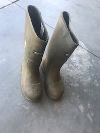 pair of brown leather boots Edmonton, T6W 1Z6