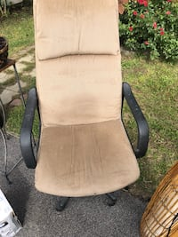 High back office chair 283 mi
