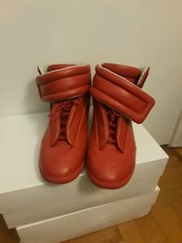 Margiela's size 9 Queens, 11421