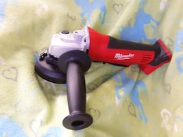Milwaukee Grinder M18 tool only!