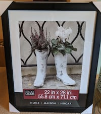 NEW 22x28 Picture Frame