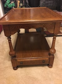 Ethan Allen end table North Charleston, 29418