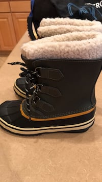 New Green  Size 3 Boys Cat and Jack Weather Boots Size 3 Gilbert, 85295
