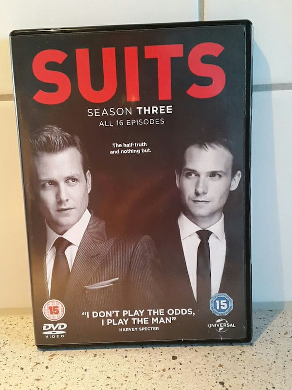 Suits Sesong 3. DVD 40072df7-32af-4819-94fe-06abb21dd672