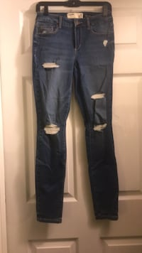 Jeans with holes size 5 Dunmore, 18509