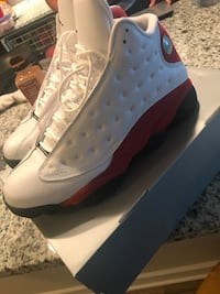Jordan Retro 13s white/Black/red size 11 Tysons